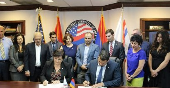 Armenians, Assyrians in LA sign memorandum of cooperation