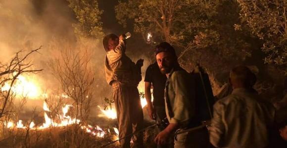 Turkish airstrikes ignite Assyrian lands, villagers organize firefighting response